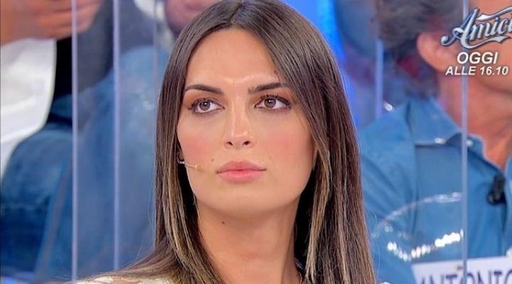 Uomini e Donne anticipazioni 1 ottobre: Andrea Nicole esce ancora con il corteggiatore Ciprian?