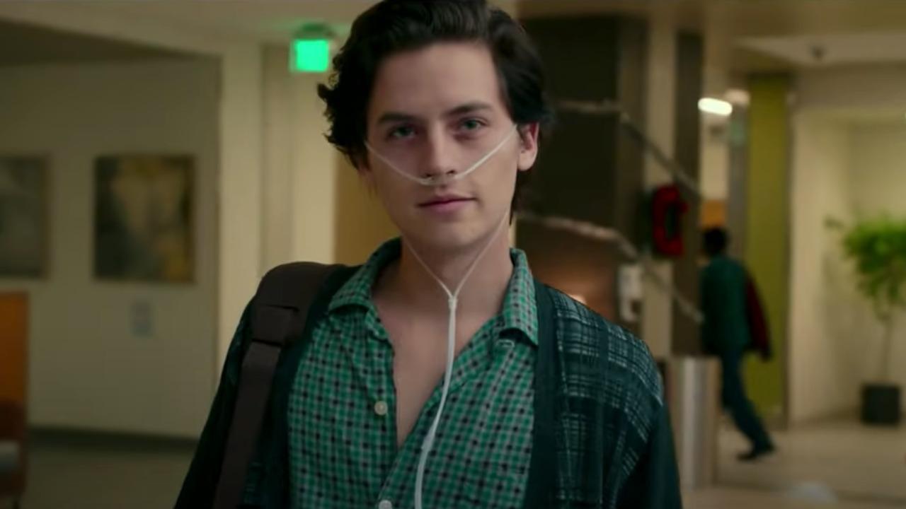A un metro da te: la trama ed il cast del film in onda su Rai2 martedì 19 ottobre con Cole Sprouse