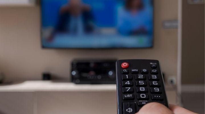 Nuovo segnale tv, dal 15 ottobre via al passaggio: cosa succede, come riceverlo e i bonus per i nuovi acquisti