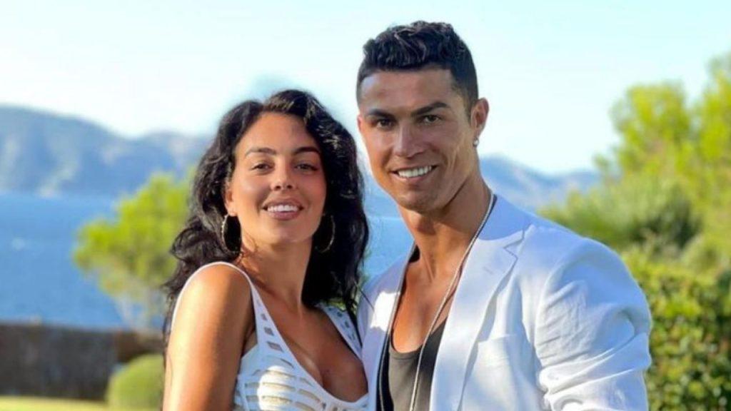 Georgina Rodriguez incinta di due gemelli: Cristiano Ronaldo sarà papà per la quinta volta
