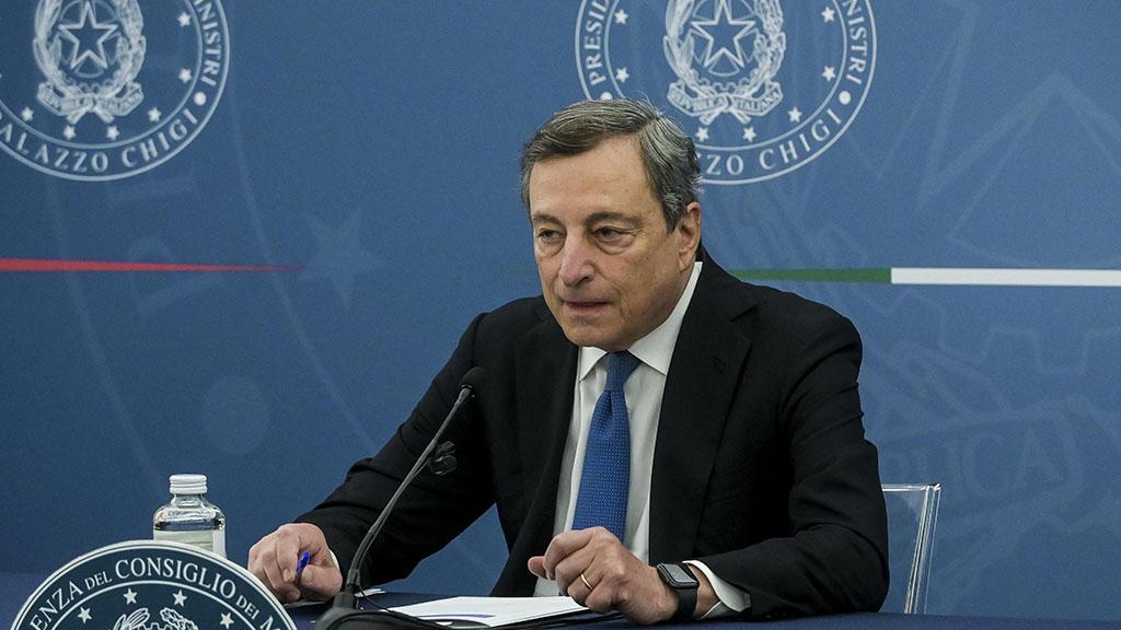 Scontri No Green pass e assalto alla Cgil: la linea di Draghi punta alla stretta sui cortei dopo le violenze