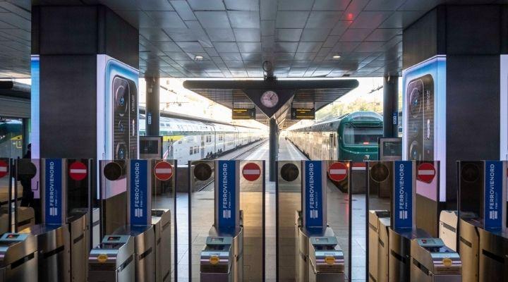 Sciopero generale 11 ottobre: treni, aerei e trasporto pubblico coinvolti, fasce orarie garantite e motivi