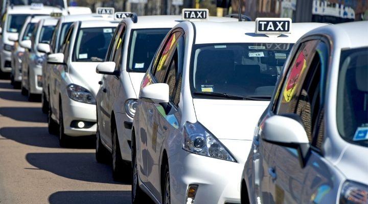 Domani sciopero nazionale dei taxi: gli orari e la manifestazione a Roma. Coinvolti anche gli aeroporti