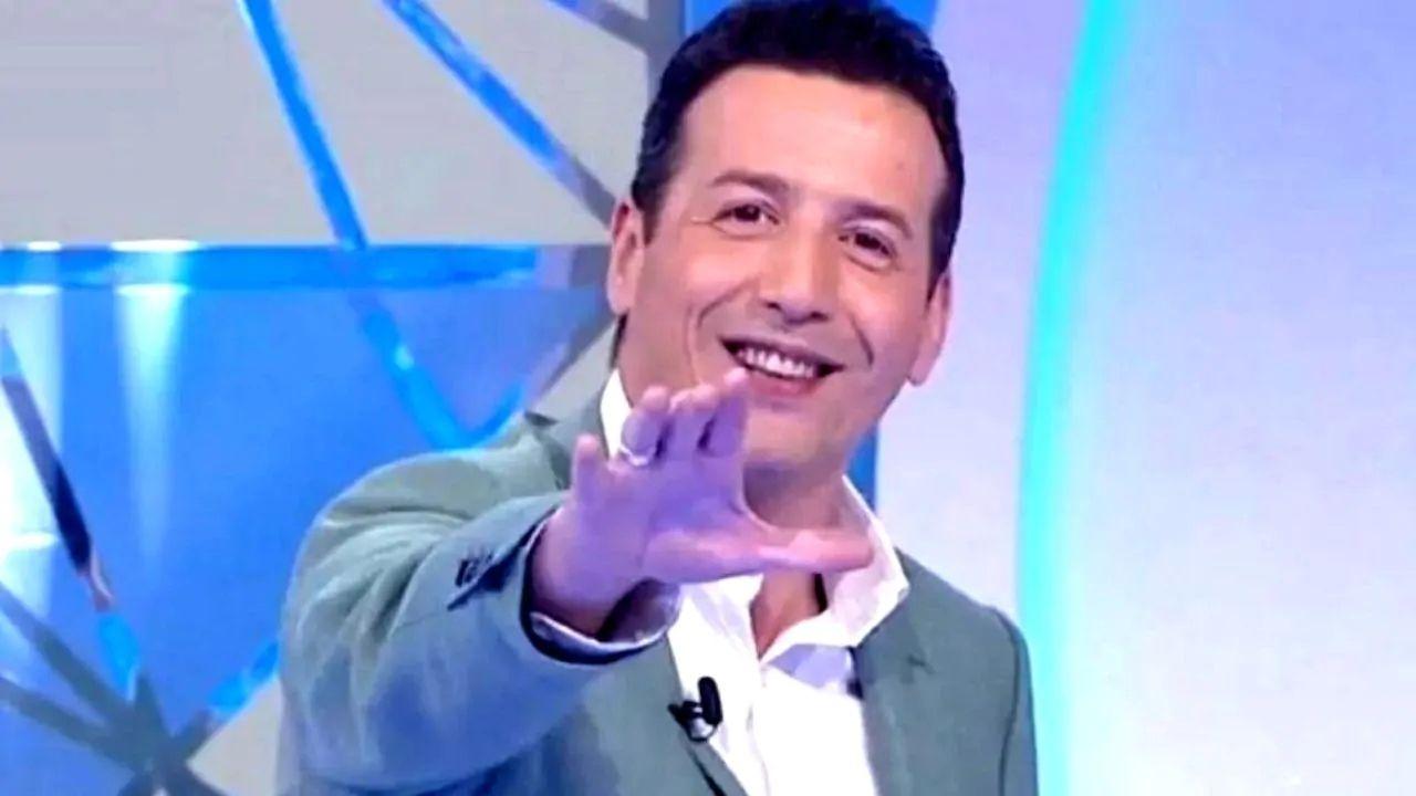 Alessandro Greco torna in tv: il debutto con Dolce Quiz, in onda il sabato mattina su Rai2