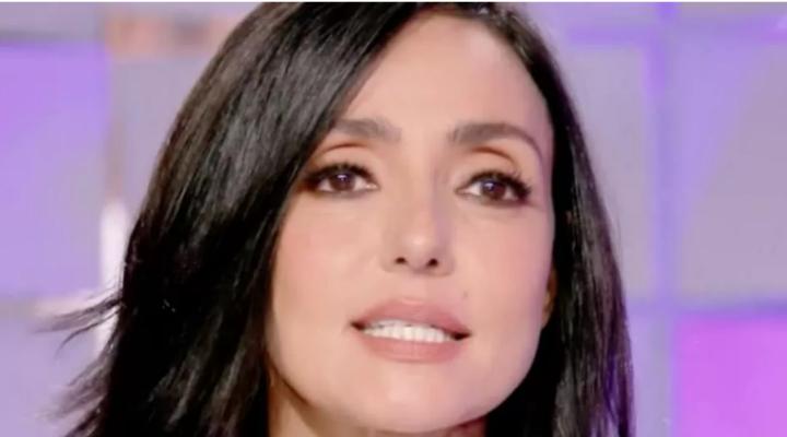 Ambra Angiolini commossa in diretta radio per l'affetto ricevuto: il messaggio dopo l'addio ad Allegri
