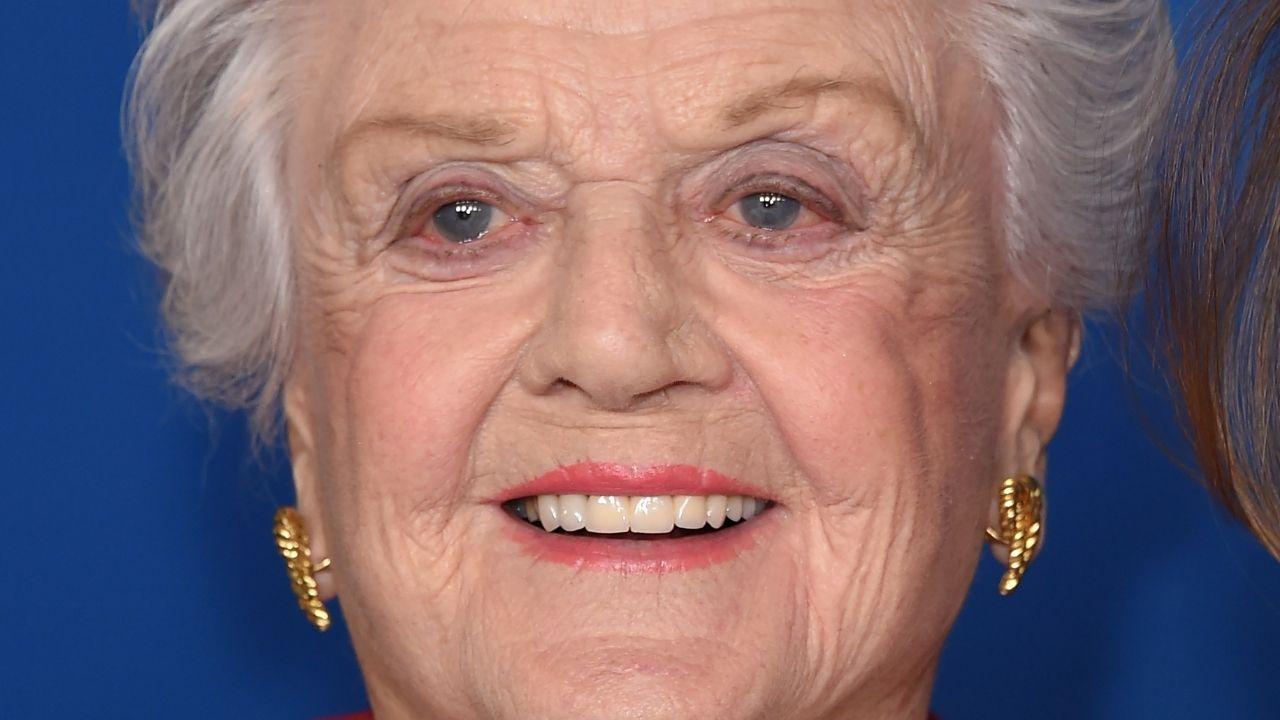 Angela Lansbury: chi è l'attrice, premio Oscar, ricordata come Jessica Fletcher de La signora in giallo