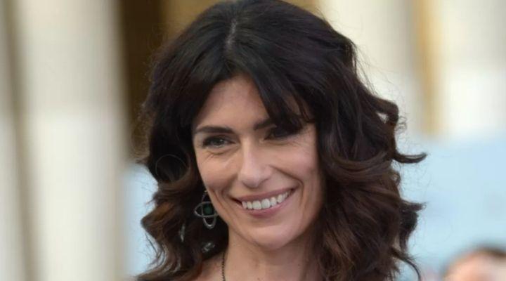 Anna Valle: età, marito e figli dell'attrice protagonista di Luce dei tuoi occhi e Vite in fuga