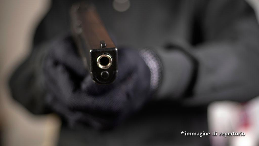 Rapina in un ristorante a Casavatore, armi puntate contro i bambini all'interno del locale