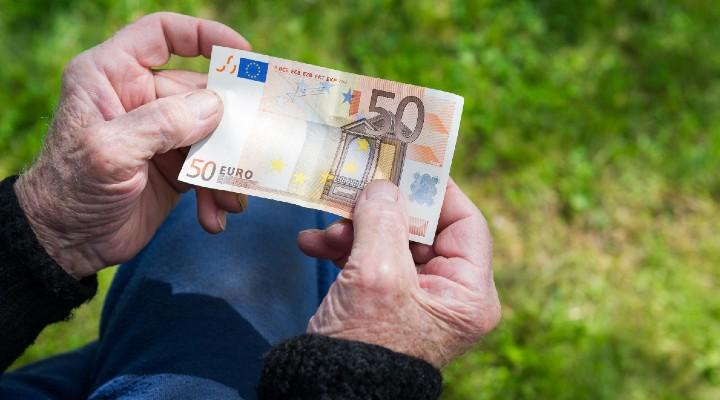 Aumento pensioni e assegno familiare INPS novembre, a chi spetta e di quanto cresce il cedolino