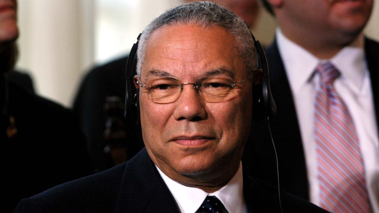 È morto Colin Powell: addio al primo Segretario di Stato di origini afro-americane. Aveva contratto il Covid
