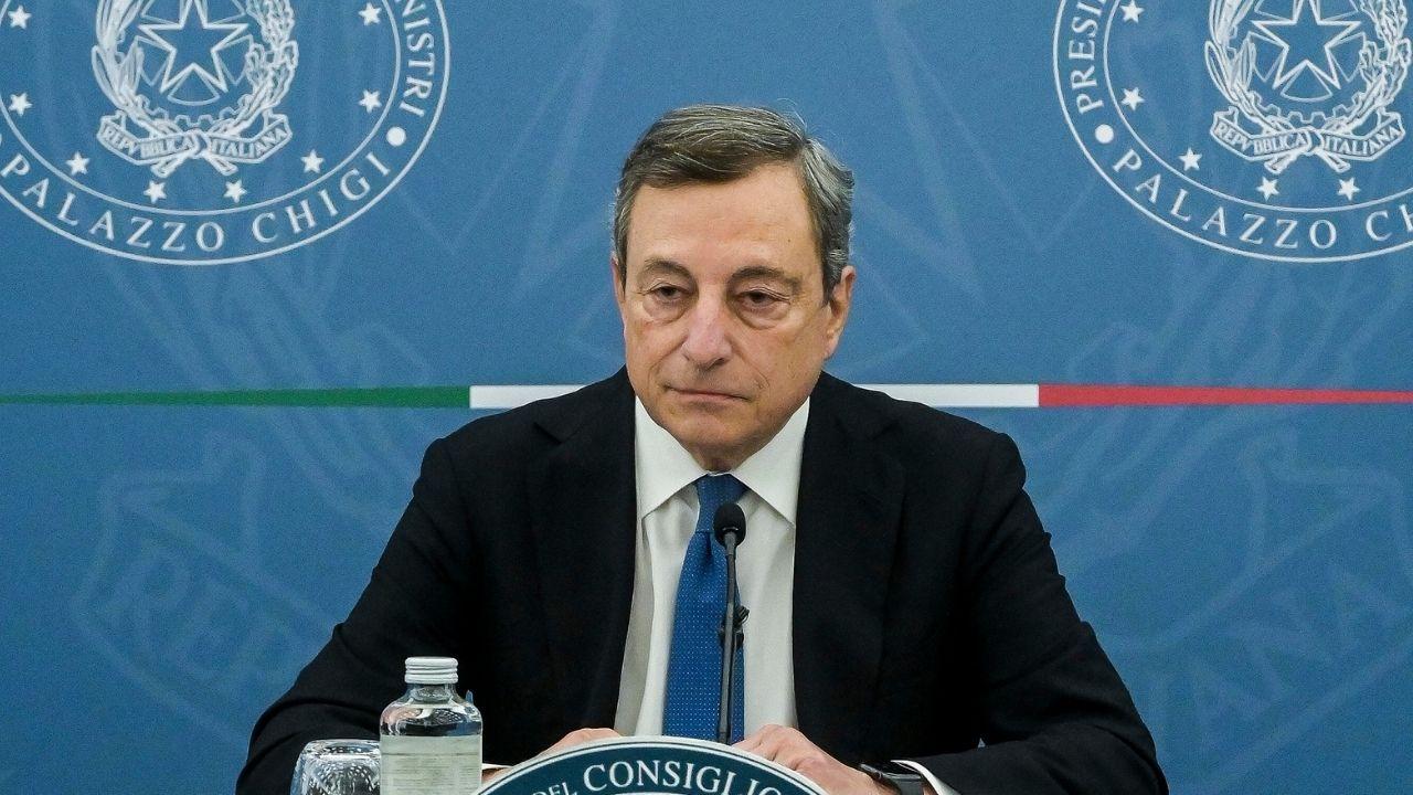 Mario Draghi condanna duramente le tensioni a Roma durante la manifestazione No Green Pass