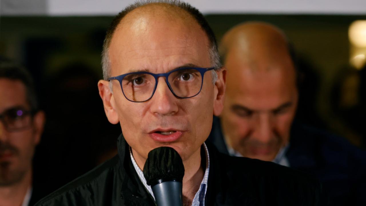 Enrico Letta esulta dopo i risultati dei ballottaggi: le parole del segretario del Pd