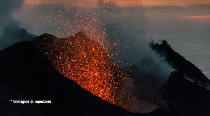 Eolie, lo Stromboli e Vulcano lanciano segnali di attività: cosa è stato rilevato nell'arcipelago