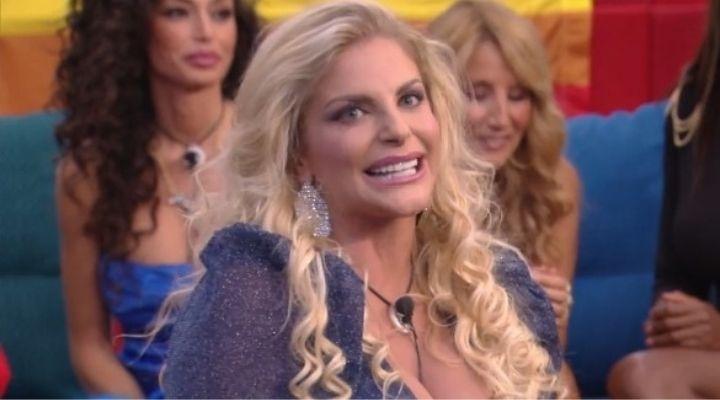 Francesca Cipriani e Giucas Casella: la showgirl ricorda il momento in cui quasi ruppe la costola al mago: il video