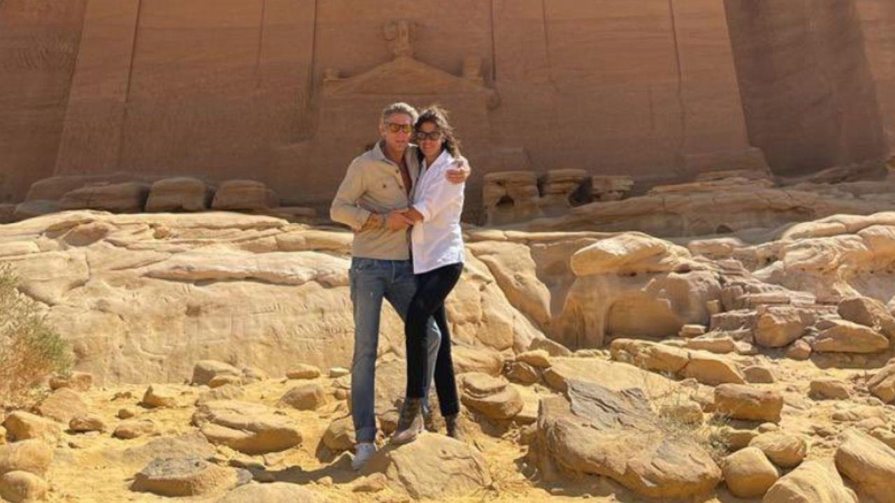 Lapo Elkann e Joana Lemos sposi: la luna di miele della coppia tra romantici baci e avventure nel deserto