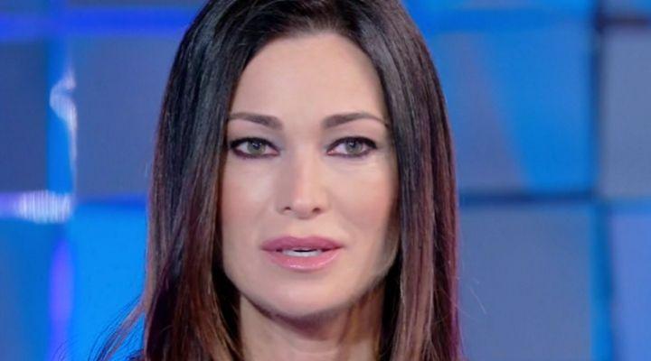 Manuela Arcuri in lacrime per il messaggio del figlio Mattia: grande emozione per l'attrice a Verissimo