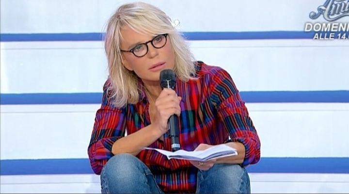 """Maria De Filippi costretta a prendere una decisione: """"Non può andare avanti"""". Commento puntata 15 ottobre"""