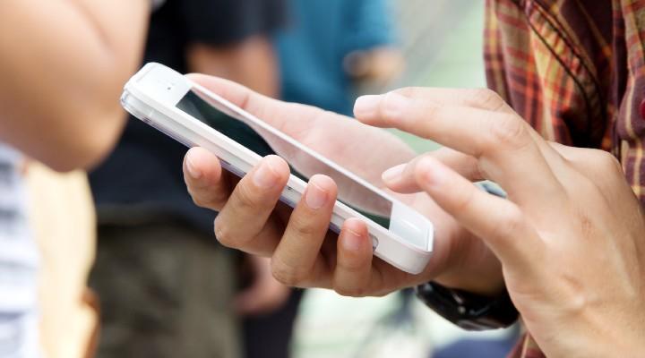 """Sms truffa """"richiamami al…"""": perché non bisogna richiamare e come difendersi dai messaggi fraudolenti"""