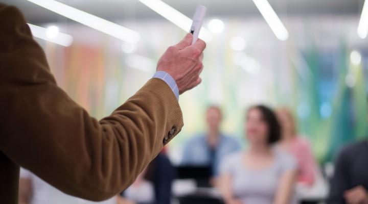 Pensioni scuola 2022, scadenze e modalità per richiedere la cessazione di servizio: le istruzioni del MIUR