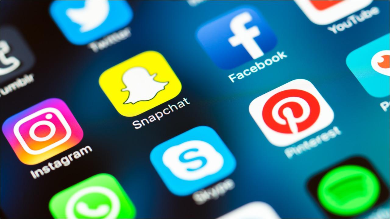 Whatsapp, Facebook, Instagram e Messenger down. I social di Mark Zuckerberg sono fermi, cosa sta succendo