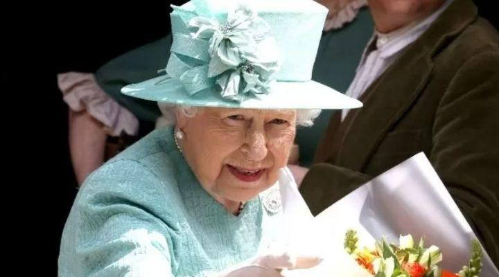 La Regina Elisabetta non sarà presente alla Cop26 di Glasgow: l'assenza su raccomandazione dei medici