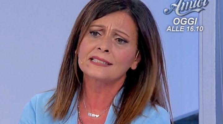 """Rosy svela un segreto di Daniela a Uomini e Donne: """"Si è sentita in un pollaio"""". Commento puntata 20 ottobre"""