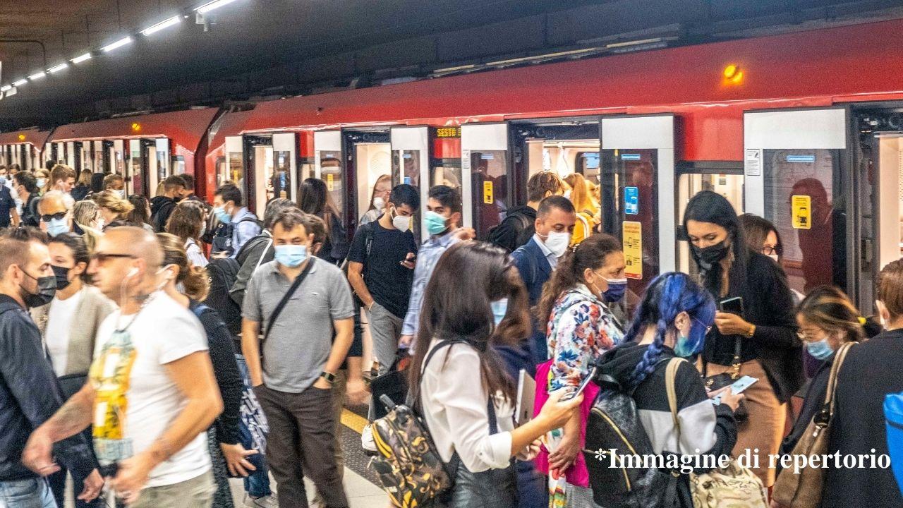 Sciopero generale 11 ottobre, a rischio i trasporti pubblici. Fasce orarie e servizi garantiti