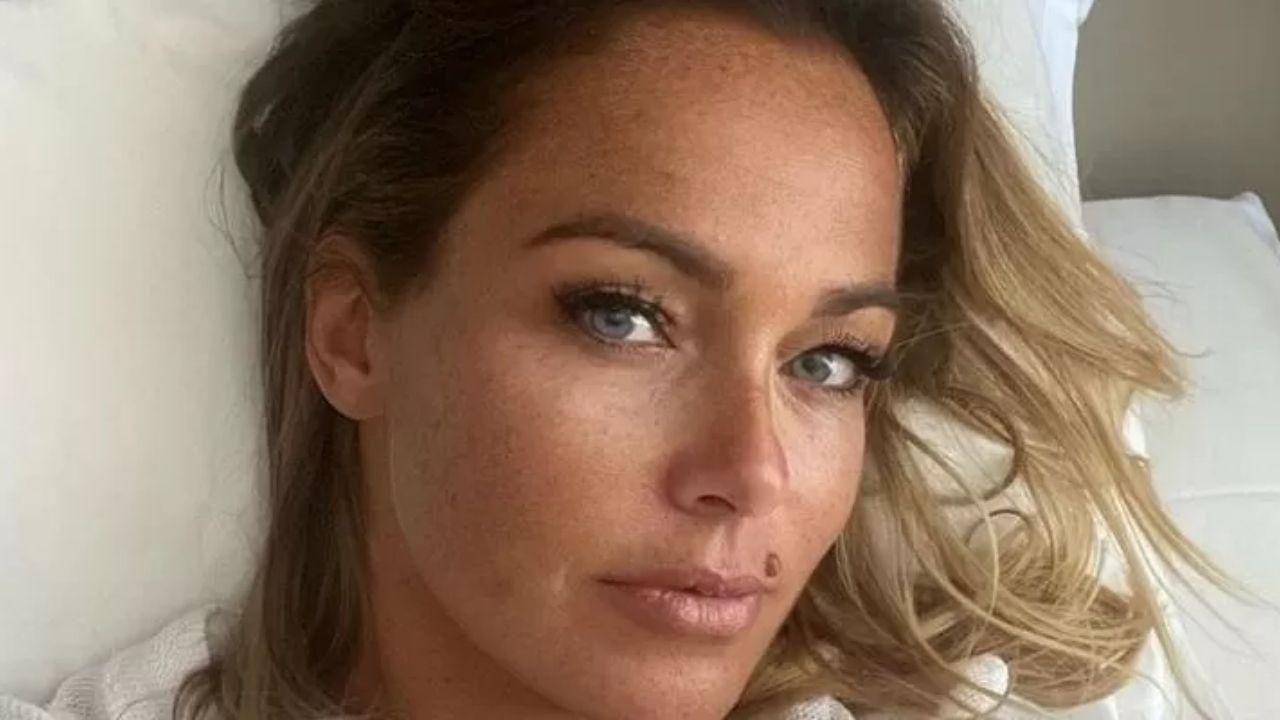 """Sonia Bruganelli, la moglie di Paolo Bonolis confessa: """"Ho tradito"""". Il racconto dell'opinionista del GF Vip"""